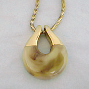 Vintage TRIFARI Mod Marbled Lucite Necklace