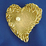 Vintage Captivating CAPRI Entwined Heart Pin