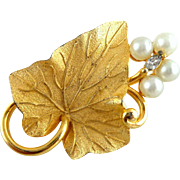 Vintage Classy PENNINO Ivy Leaf & Faux Pearls Pin