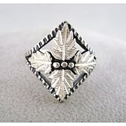Sterling Silver Black Hills Style Grape Leaf Ring SZ 6 Signed