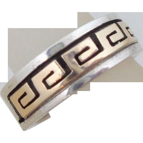 Vintage Signed Navajo Sterling Silver & 14k Eternal Life Ring