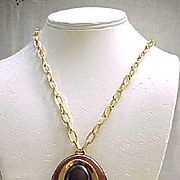 Stunning Crown Trifari Rootbeer Lucite Pedant Necklace