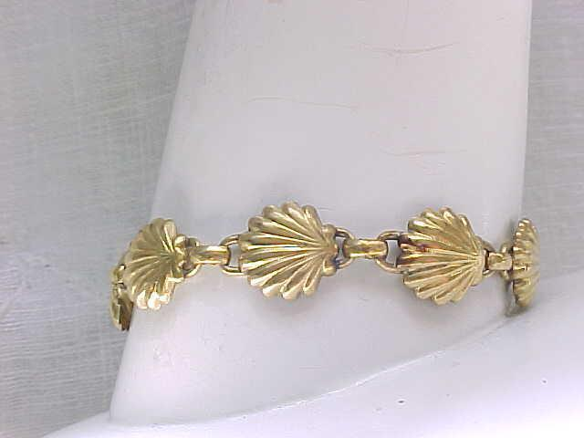 WRE Gold Filled Bracelet - Shell Design