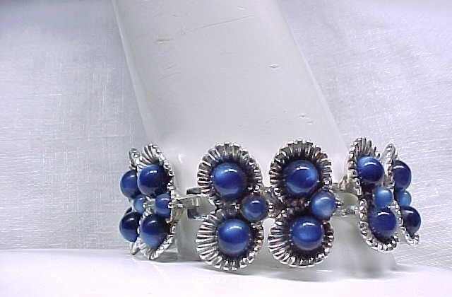 Bracelet Deep Blue Moonglow Beads, Silvertone Metal - WOW