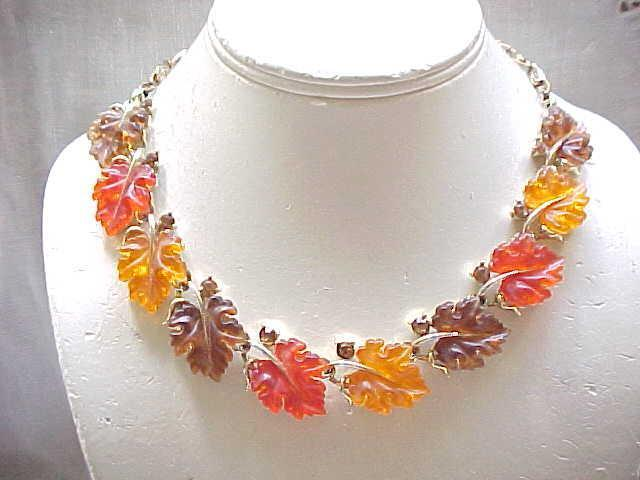 Lisner Oak Leaf Necklace, Earth Colors - Excellent