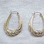 Gorgeous 14 Karat Gold Earrings - Superb Design