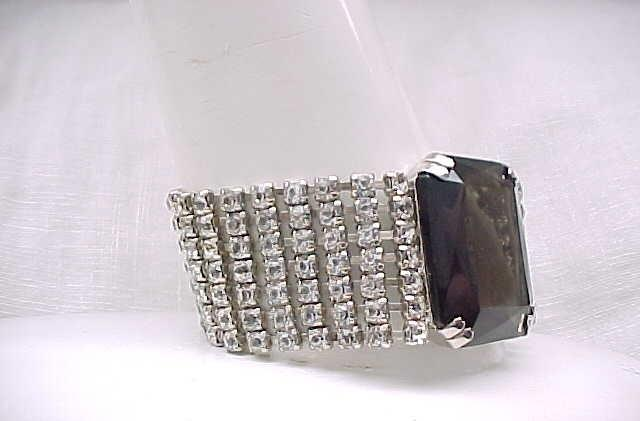 Sophisticated Huge Rhinestone Bracelet - Large Center Stone