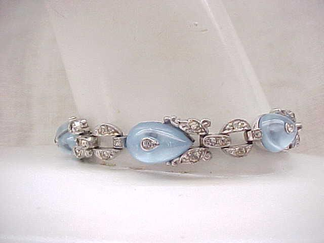 05 - Exquisite Trifari Moonstone Shoe Button Bracelet with Rhinestones