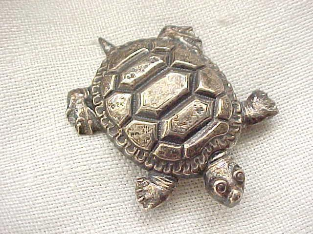 Delightful Danecraft Sterling Turtle Pin