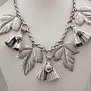 Delightful 1930/40's Leaf Necklace