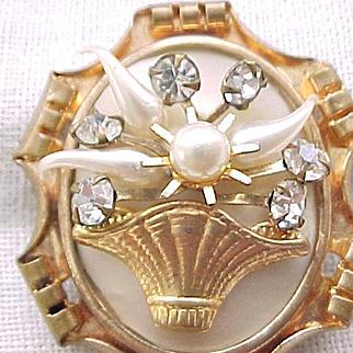 09 - Lovely Basket Pin 1930's/'40's Trombone Clasp