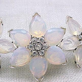 08 - Beautiful Flower Pin with Iridescent Glass Petals - Monet
