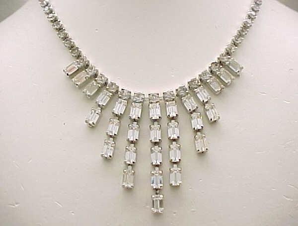 01 - Weiss Rhinestone Bib Necklace Elegant Baguettes - Bridal