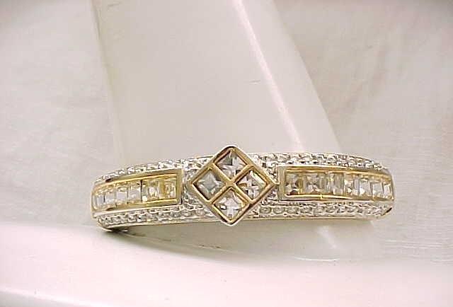 01 - Sparkling Rhinestone Bracelet - Goldtone Metal