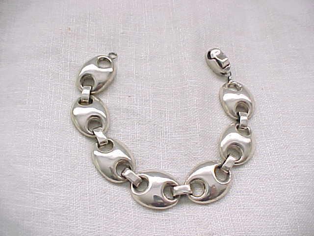 05 - Stylish Sterling Silver Bracelet - 35 Grams