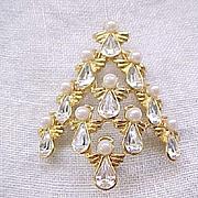 Nina Ricci Angel Christmas Tree Pin