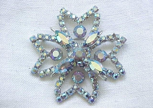 01 - Gorgeous Blue Aurora Borealis Rhinestone Pin