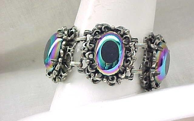 06 - Luxurious Bracelet - Very Unusual Art Glass Stones - Elizabeth Morrey
