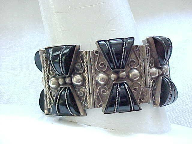 Early Mexican Silver & Onyx Bracelet - a Masterpiece