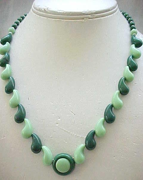 Sweet 1930's Czech Necklace - Shades of Green
