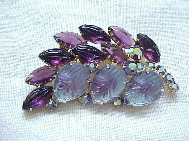 Gorgeous Rhinestone Pin Shades of Purple, Molded Glass Stones