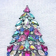 Fab Avon 2006 Christmas Tree Pin