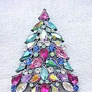 Fab Avon 2006 Christmas Tree Pin