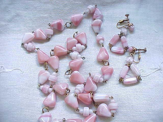 01 - Natural Stone Necklace and  Earrings - Pink and White