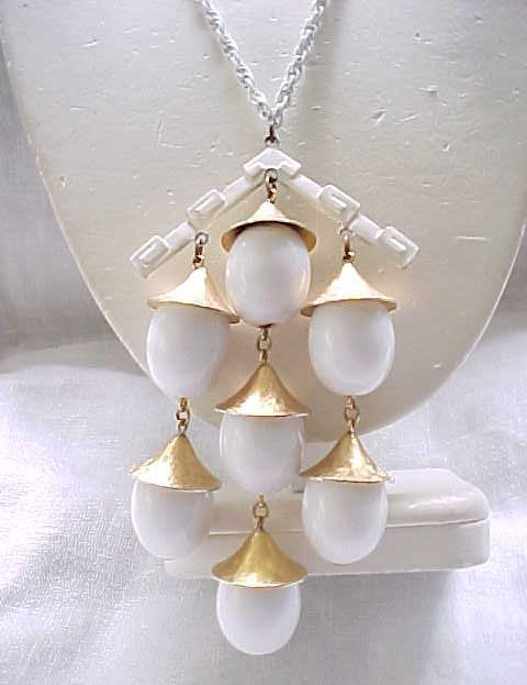 Incredible Trifari Oriental Necklace - White, Goldtone