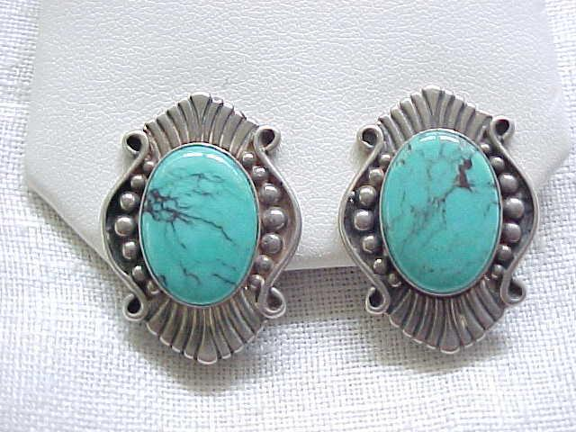 Outstanding Sterling & Turquoise Clip Earrings
