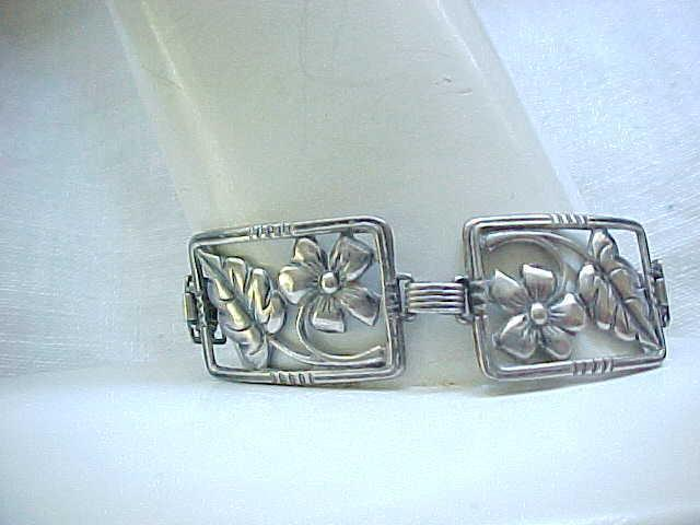 Lovely 1940's Sterling Silver Picture Frame Bracelet