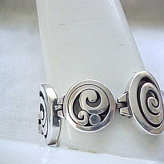 Beautiful Brighton Bracelet - Silvertone Metal - Superb Design