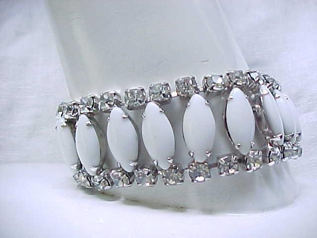 Impressive Milk Glass & Rhinestone Bracelet with Earrings