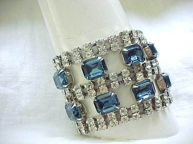 Glitzy Rhinestone Bracelet - Sapphire Blue - Huge