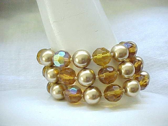 08 - Beautiful Bracelet - 3 Strands Topaz Crystal Beads