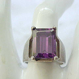 Sterling Silver Ring Purple Stone - Modernist Design - size 8