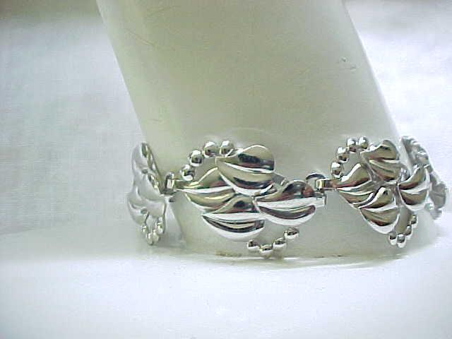 Pretty Sterling Silver Bracelet with Leaf Design