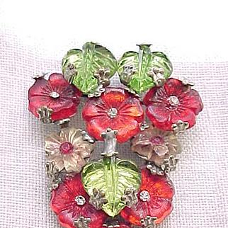 01 - Beautiful Molded Glass Brooch - Very Unusual