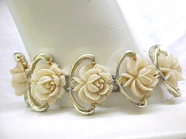 12 - Wide Bracelet with Plastic Roses - Cute
