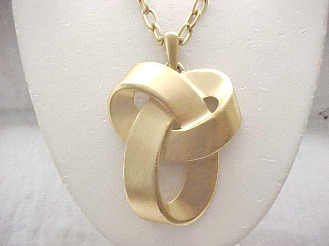 Large Goldtone Trifari Necklace - Artistic Knot