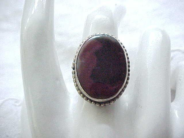 Beautiful Navajo Sterling Ring with Natural Stone - Size 6 3/4