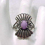 Sterling Silver Ring Pretty Purple Stone Great Design - Size 12