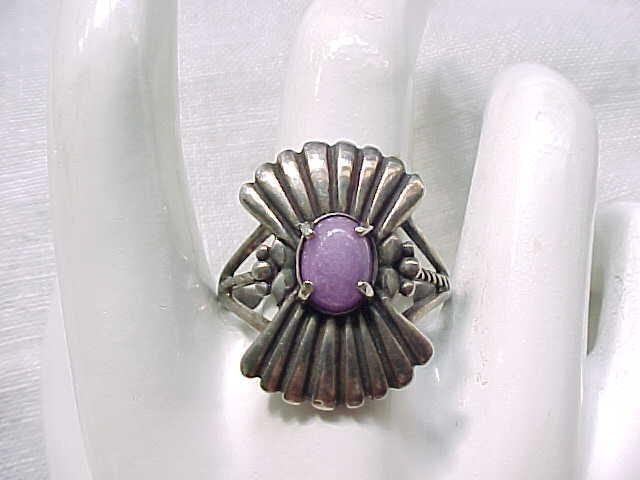 01 - Sterling Silver Ring Pretty Purple Stone Great Design - Size 12