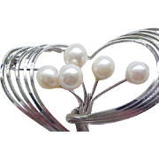 Lovely Sterling Silver Pin with Cultured Pearls