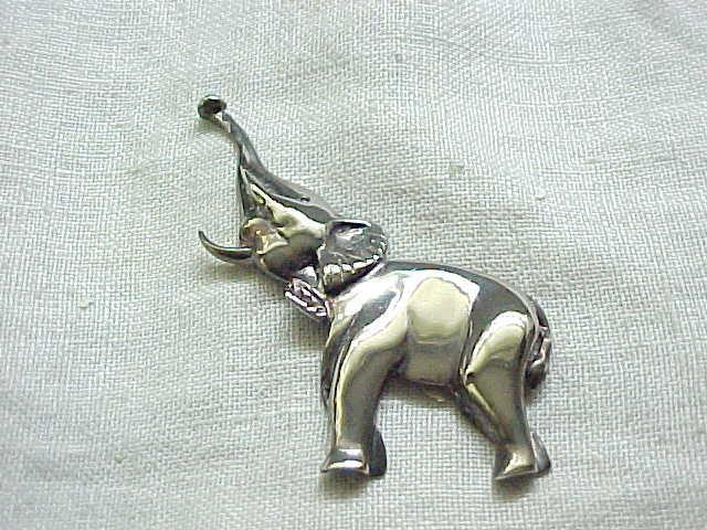 01 - Sterling Silver Elephant Pin - Trunk Raised