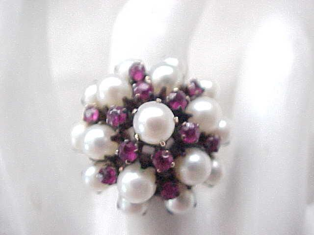 Stunning 14K Gold Ring Rubies & Pearls - Size 5 1/4