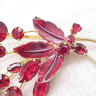 Glorious Weiss Red Rhinestone Brooch, Earrings