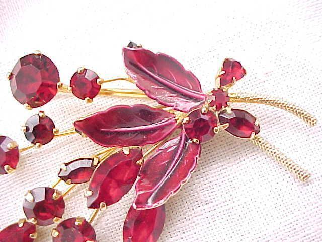 Glorious Weiss Red Rhinestone Brooch, Earrings