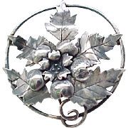 Lovely Sterling Silver Pin with Leaves and a Flower Center