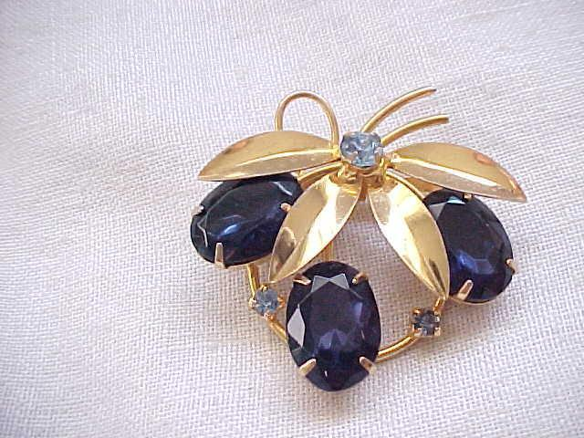 03 - Pretty Brooch with Huge Sapphire Blue Rhinestones
